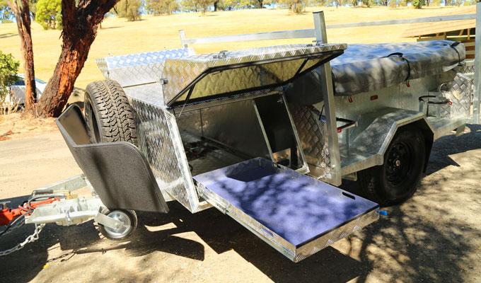galvanized deluxe camper trailer detail