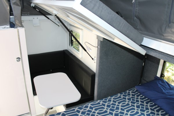 xh13 hybrid caravan bunk bed configuration